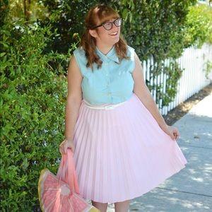 Dresses & Skirts - Vintage Pleated Pink Skirt